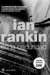 book cover of En La Oscuridad by Ian Rankin