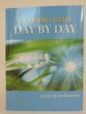 book cover of Finding God Day by Day: A Year of Meditations by Barbara Cawthorne Crafton|Charlie Brumbaugh|Stephen Smith
